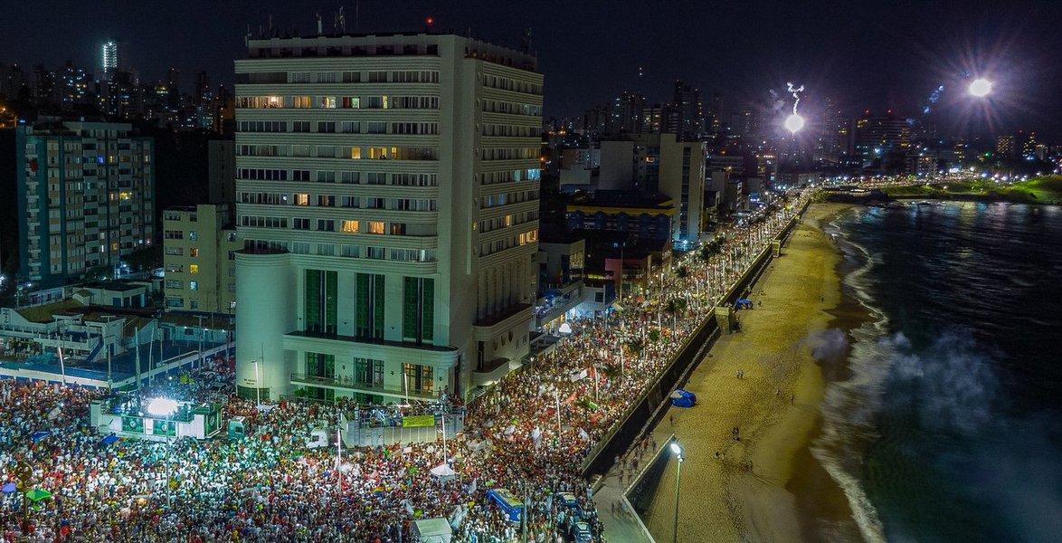 Haddad lota as ruas de Salvador na reta final