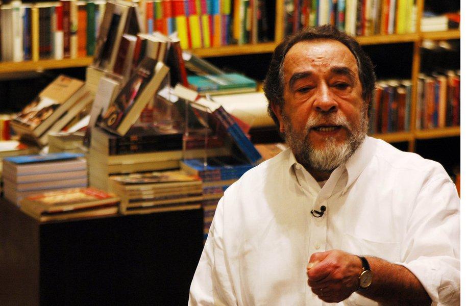 """""""Estamos vivendo, depois de vinte anos de ditadura fardada, a ditadura togada"""", diz Morais"""