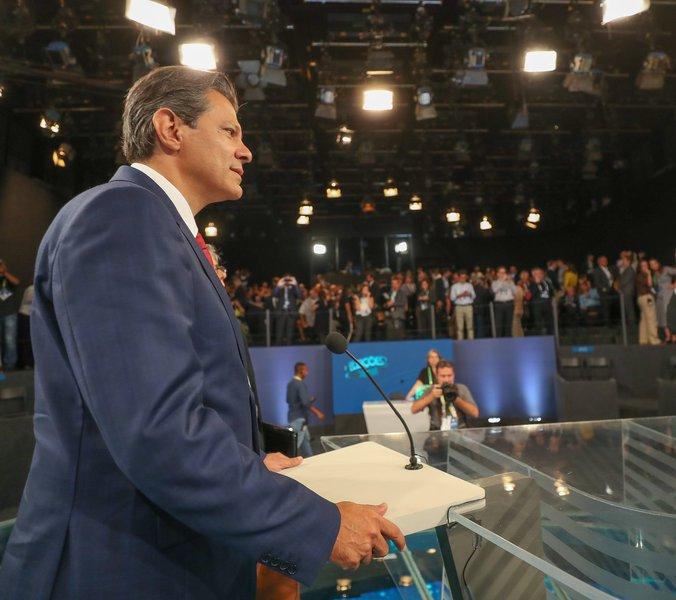 Haddad às emissoras: cancelar debates é compactuar com a covardia de Bolsonaro