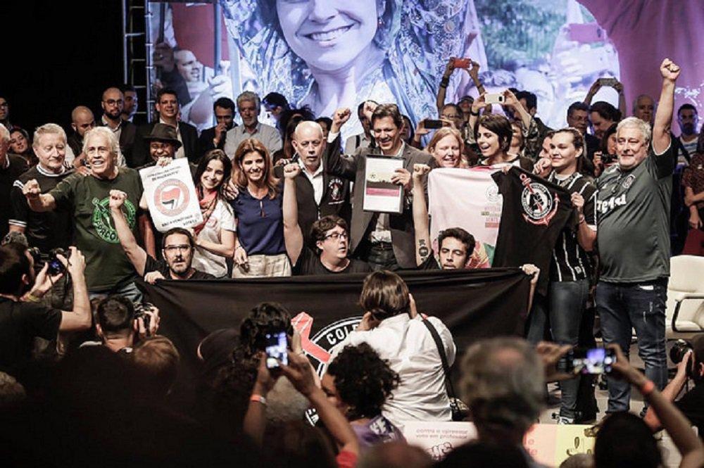 Torcidas organizadas esquecem rivalidade e declaram apoio a Haddad