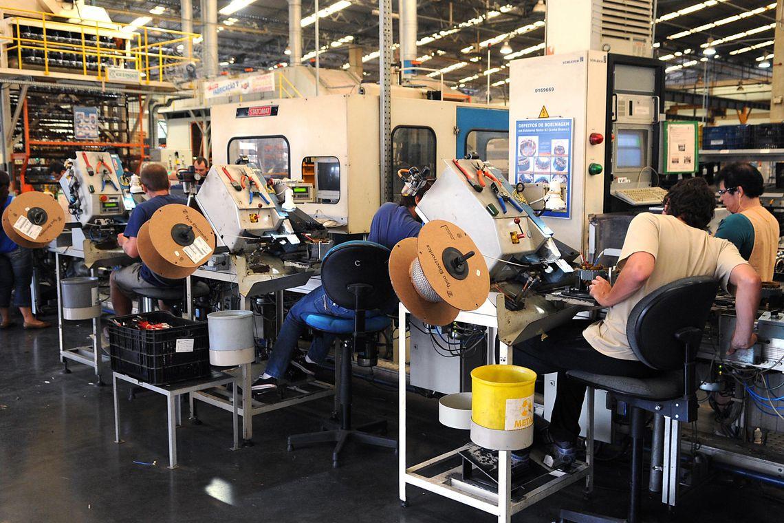 CNI: atividade industrial segue enfraquecida