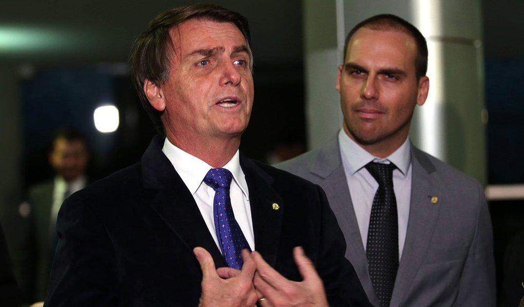 Bolsonaros podem ser enquadrados na LSN e presos
