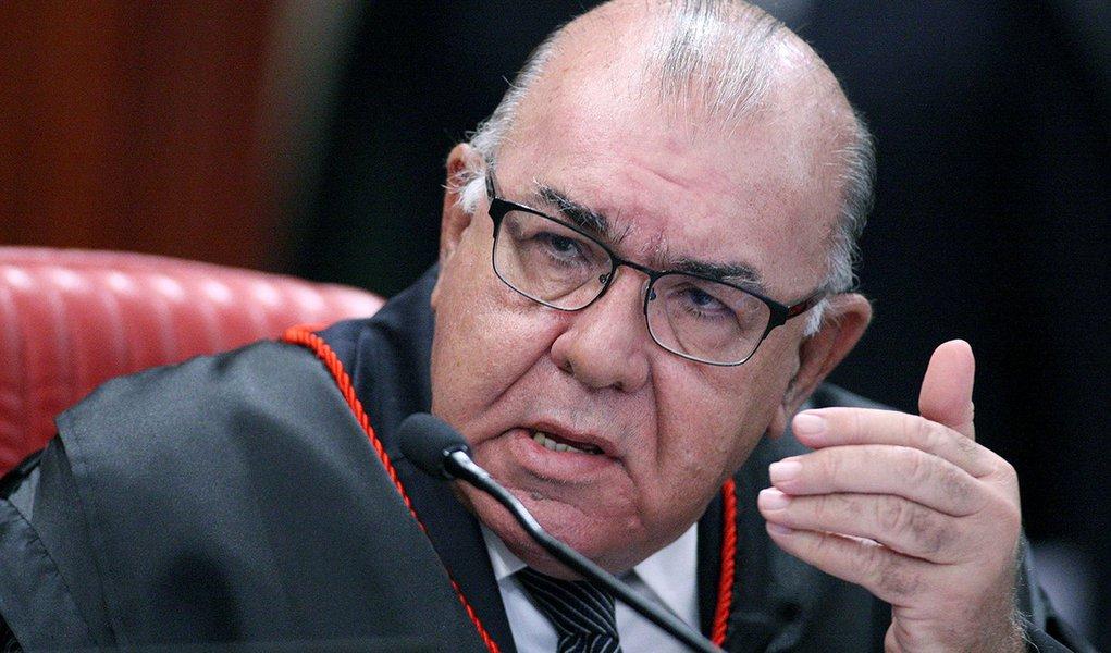 Corregedor da Justiça Eleitoral instaura pedido de inelegibilidade de Bolsonaro