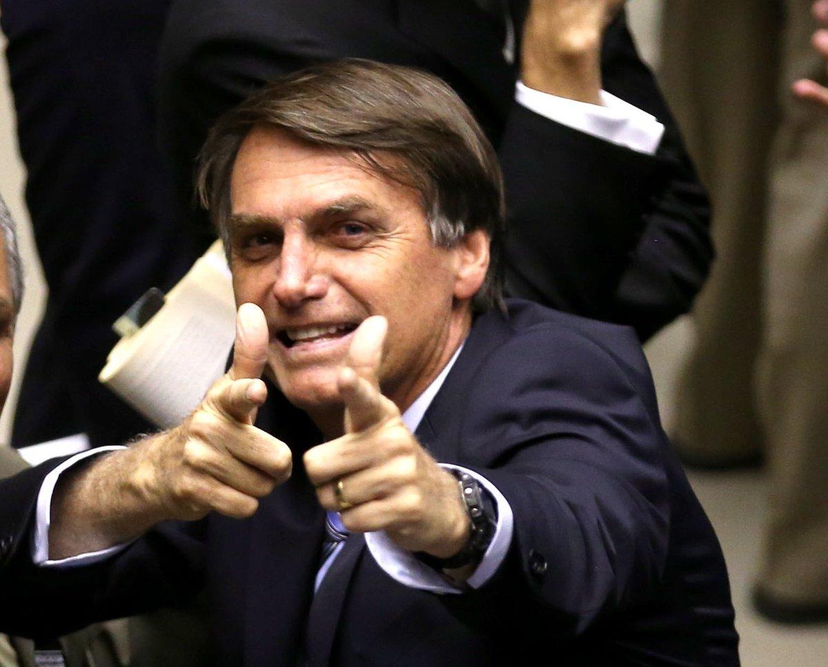 Bolsonaro ameaça seus opositores: ou vão para fora ou serão presos