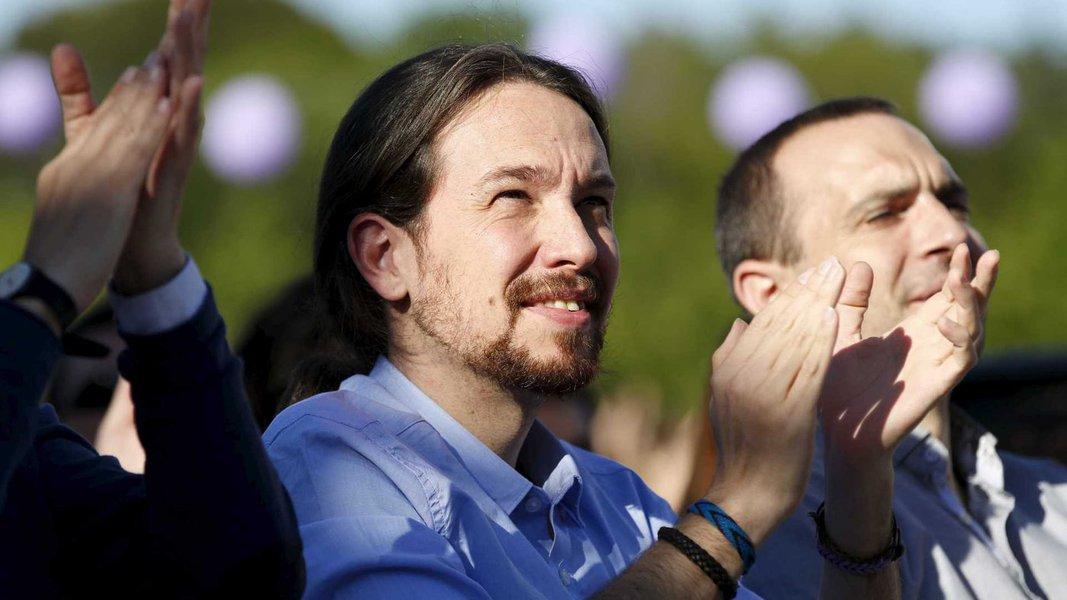 Líder do Podemos: destino da democracia no Brasil está em jogo