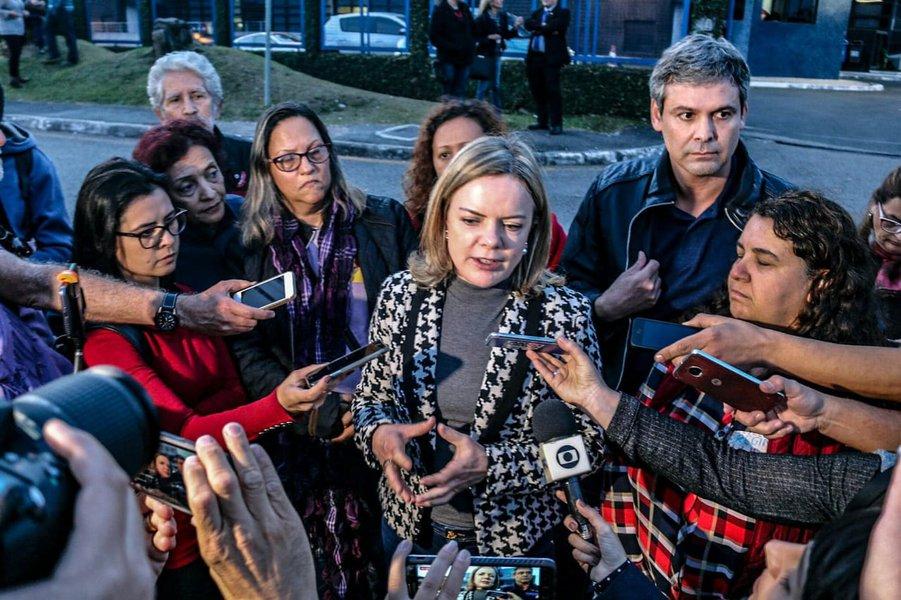 Gleisi prevê violência contra Lula no TSE