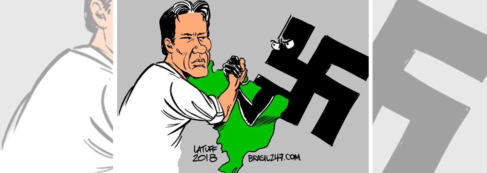 Latuff destaca a queda de braço entre a democracia e a extrema direita