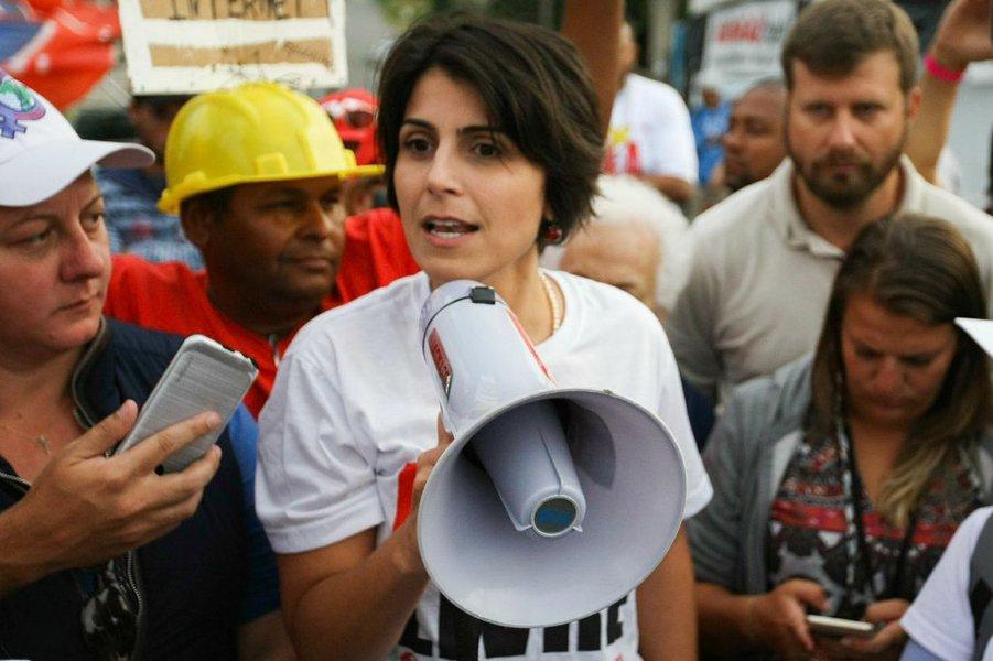 Manuela D'Ávila pede proteção da PF ao TSE e relata ameaças