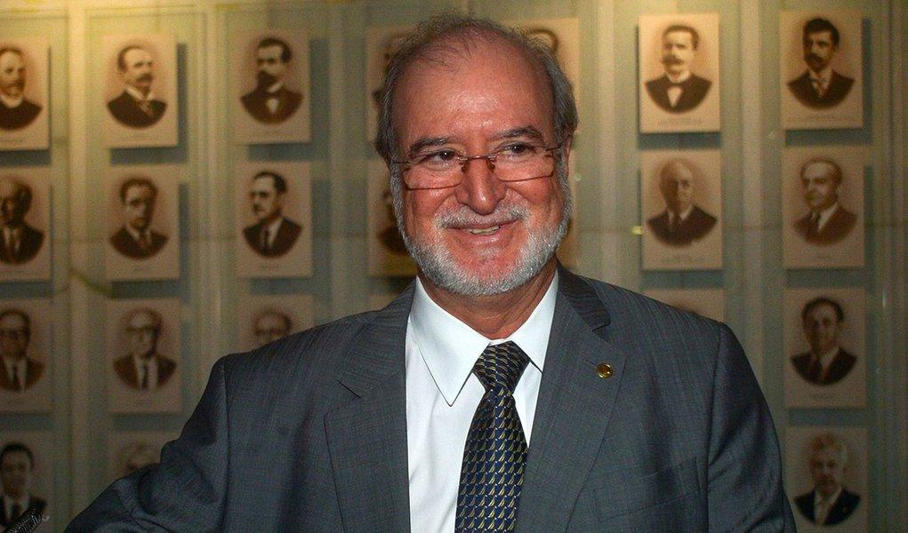 TJ de Minas nega pedido de liberdade de Eduardo Azeredo