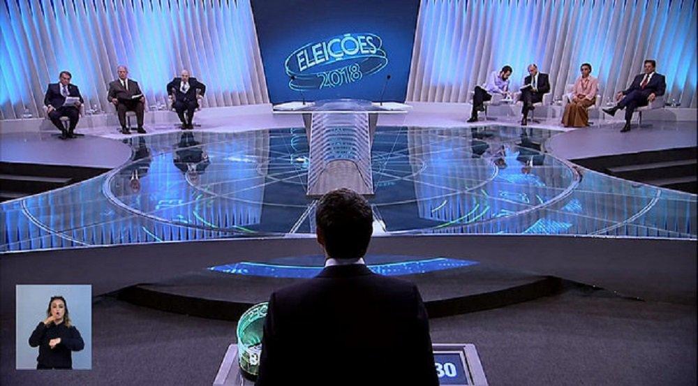 Bolsonaro não comparece e vira alvo dos sete candidatos no último debate presidencial