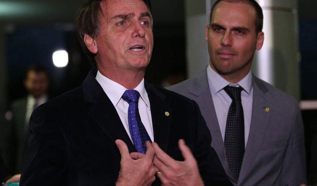 Bolsonaro e filho votaram contra lei que protege deficientes