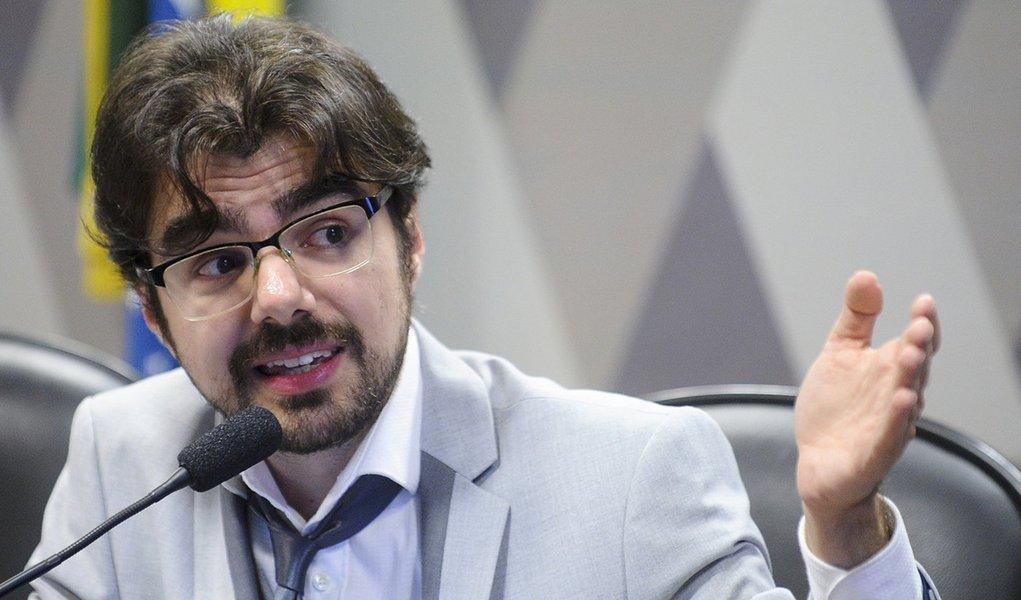 Bolsonaro é Temer elevado ao quadrado, diz economista