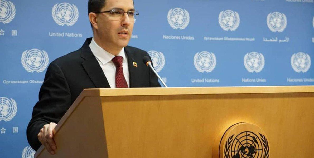 Venezuela segue na busca da paz, democracia e estabilidade econômica, diz chanceler