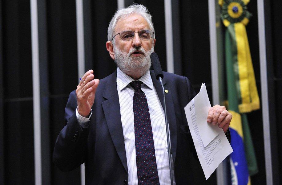 Valente: situação da Argentina deve servir de lição para o Brasil