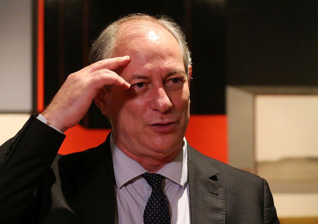 Ciro passou por cauterização de vasos da próstata no Sírio-Libanês, diz campanha