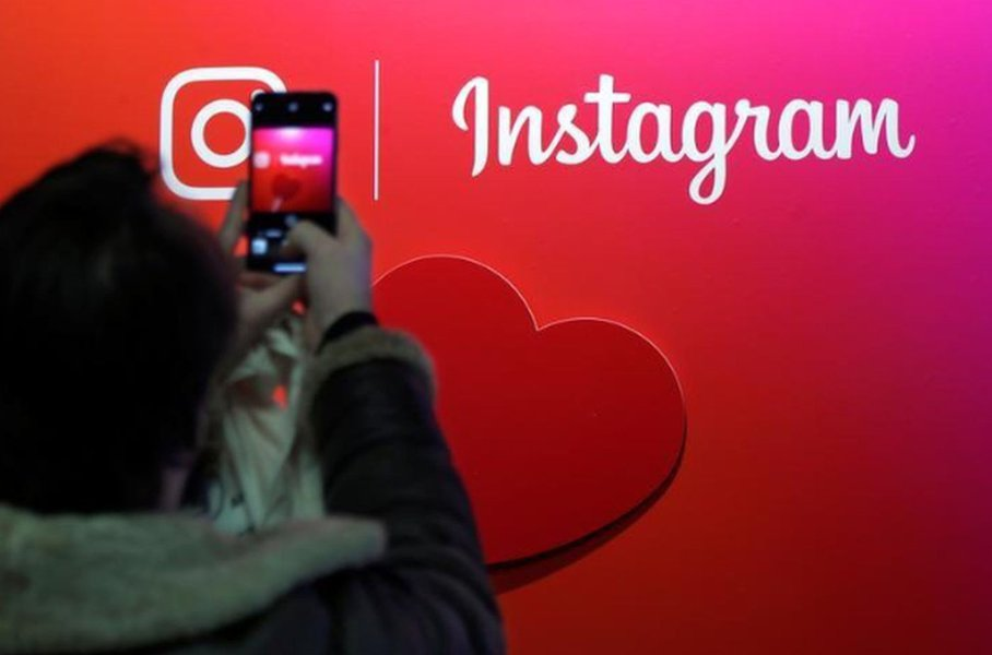 Saída de cofundadores do Instagram afetam ações do Facebook