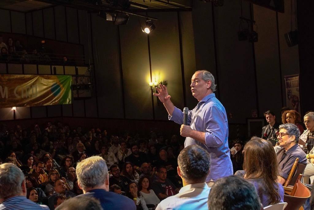Ciro diz que radicalismo do Psol levou à eleição de Crivella no Rio