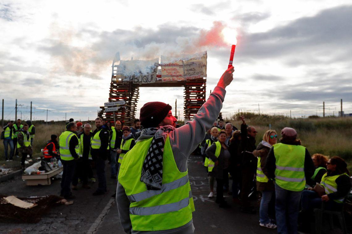 Inglaterra convoca manifestação de 'coletes amarelos' para este sábado