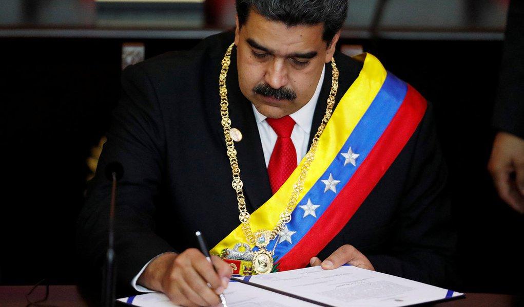 Secretário de Estado dos EUA chama governo de Maduro de 'ilegítimo'