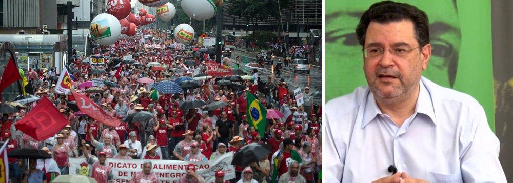 Pimenta: centrais deveriam mobilizar o trabalhador e chamar greve geral