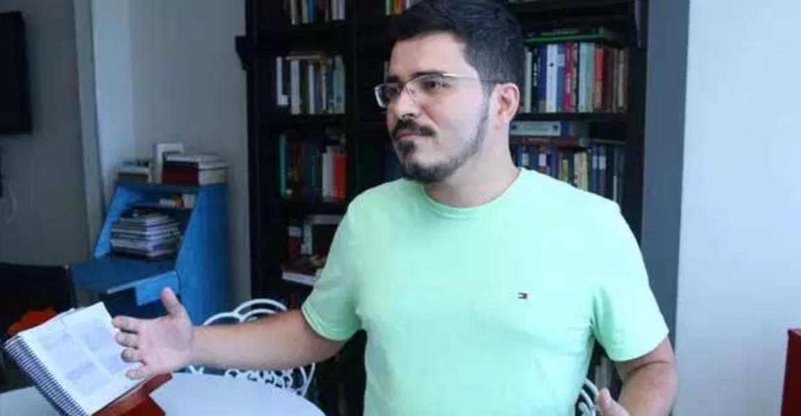 Novo coordenador do Enem é acusado de ter plagiado autor americano