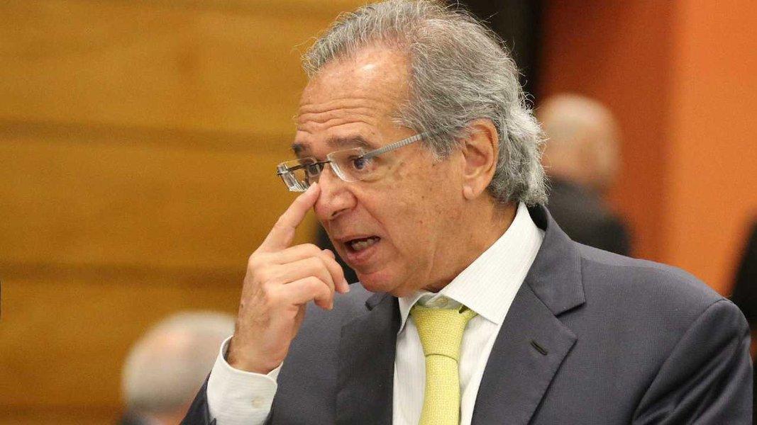 Guedes quer cortar Imposto de Renda das empresas em mais da metade