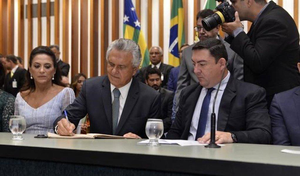 Caiado é empossado como governador de Goiás