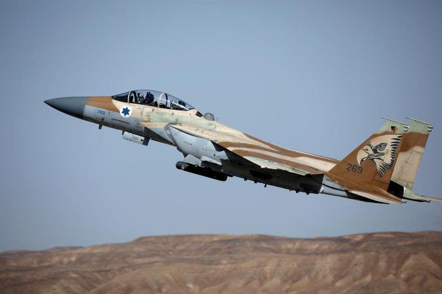 Oficial israelense confirma ataque aéreo contra diversos alvos iranianos na Síria