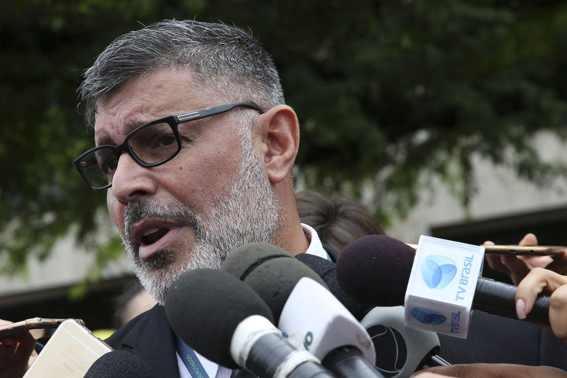 Alexandre Frota poderá perder o mandato por agressão ao Estado de Pernambuco