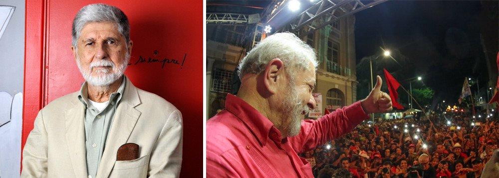"""""""Que o grito de Lula Livre se torne realidade"""", pede Amorim em carta"""