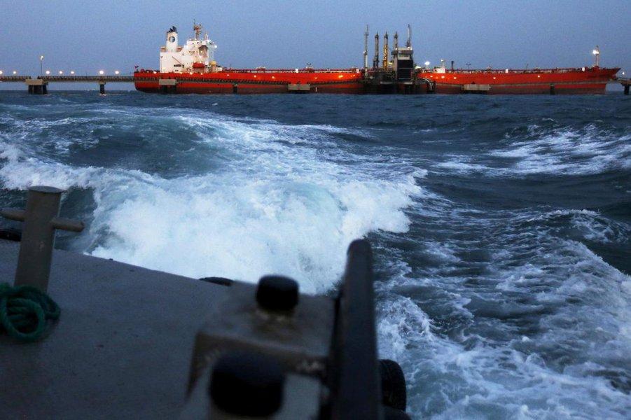 Venezuela alerta os EUA contra interferência após interceptar navio da ExxonMobil
