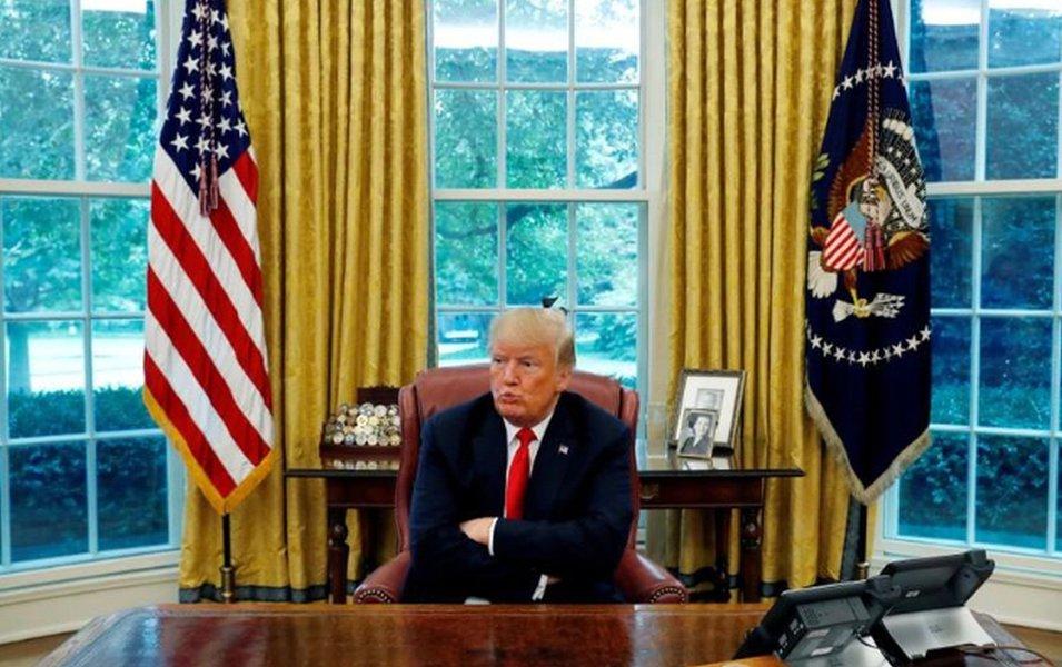 """Trump diz que é """"muito perigoso"""" quando redes sociais regulam seu próprio conteúdo"""