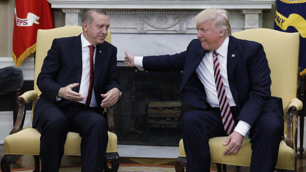 EUA e Turquia conversam sobre retirada de tropas dos EUA da Síria