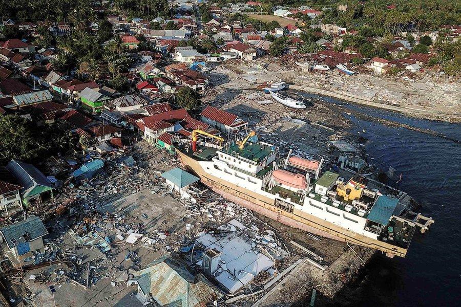 Tsunami na Indonésia: número de mortos subiu para 222