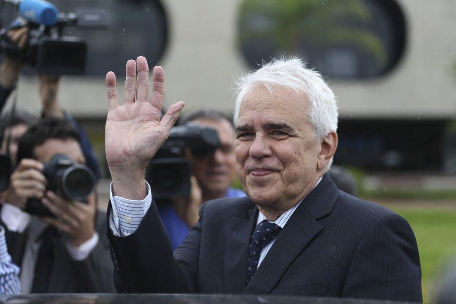 Petrobras aprova Roberto Castello Branco como novo CEO