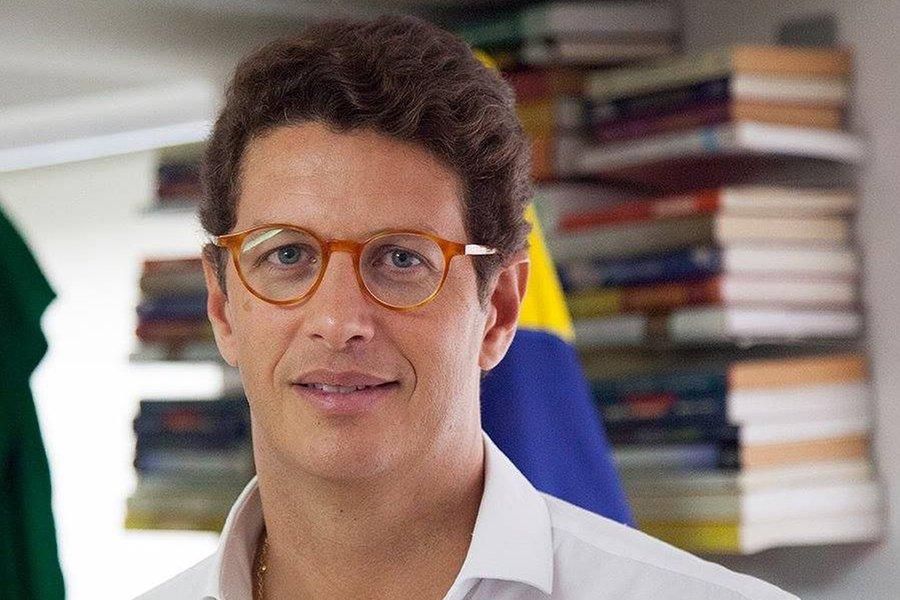 No Ceará, advogado entra com ação para suspender posse de Ricardo Salles