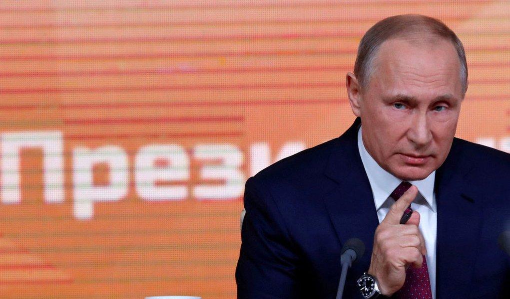 Putin acusa EUA de aumentar risco de uma guerra nuclear