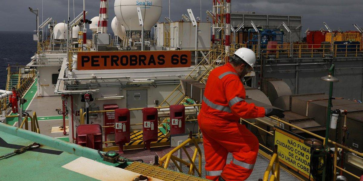Bolsonaro marca reunião para discutir política de preços da Petrobras