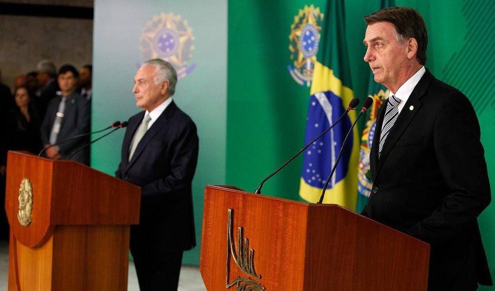 Bolsonaro manda equipe revisar atos de Temer dos últimos 60 dias