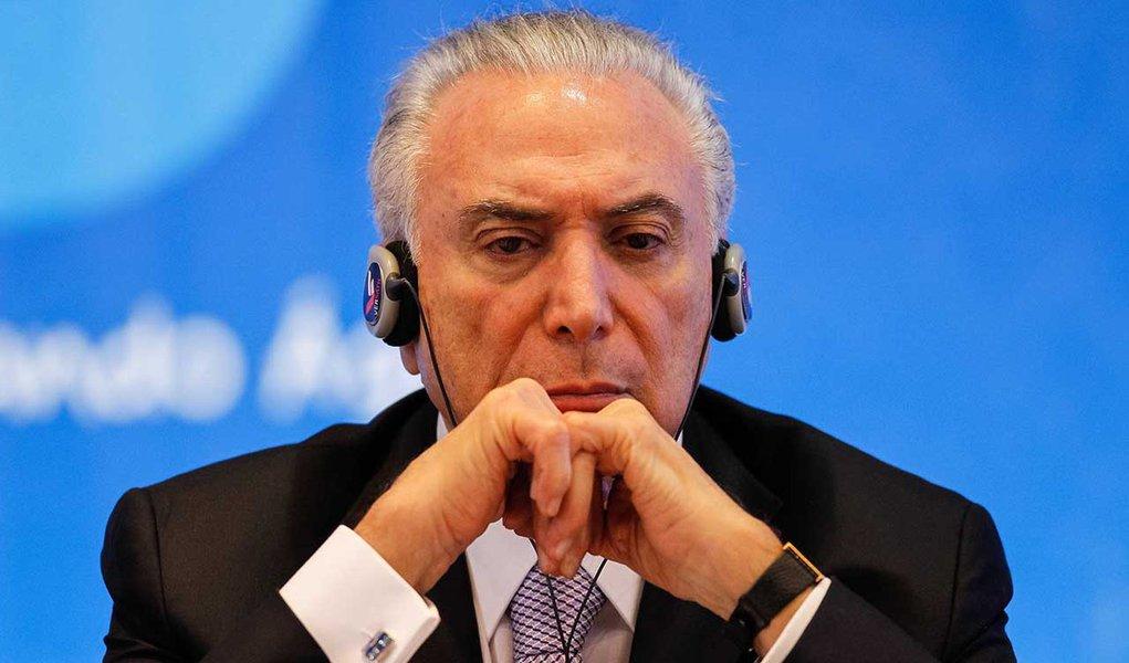 Reprovado por mais de 90% dos brasileiros, Temer diz que governa com o povo