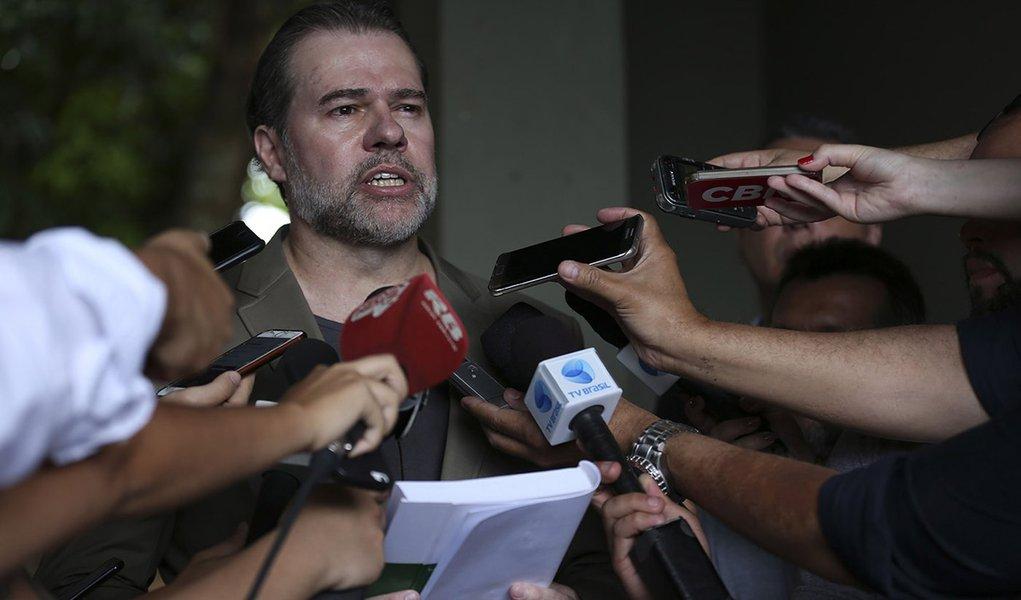 STF adia julgamento sobre necessidade de aviso prévio para manifestações