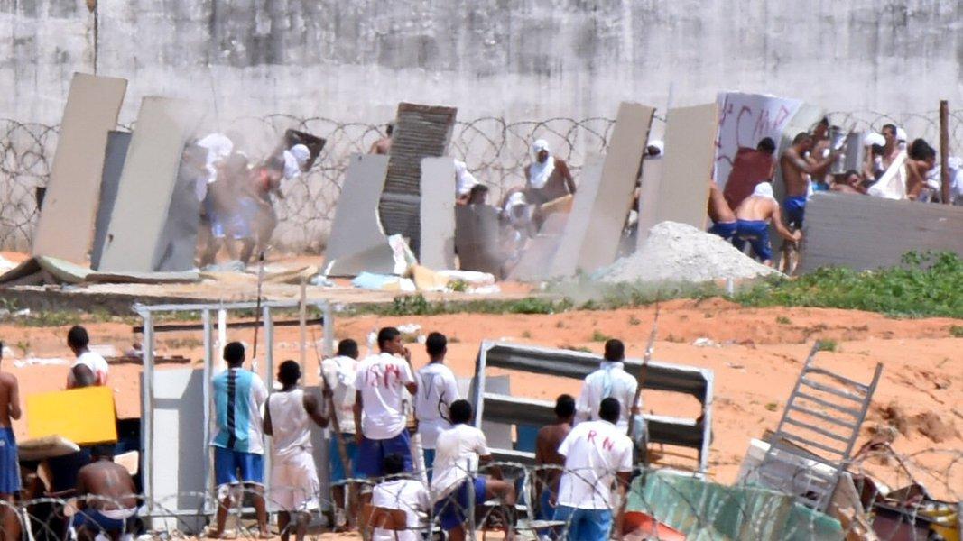 Governo Bolsonaro deve estimular superlotação e privatização dos presídios