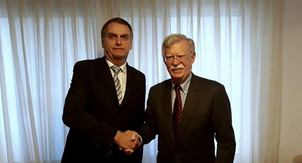 Bolsonaro quer mais EUA e menos China, mas realidade tende a se impor