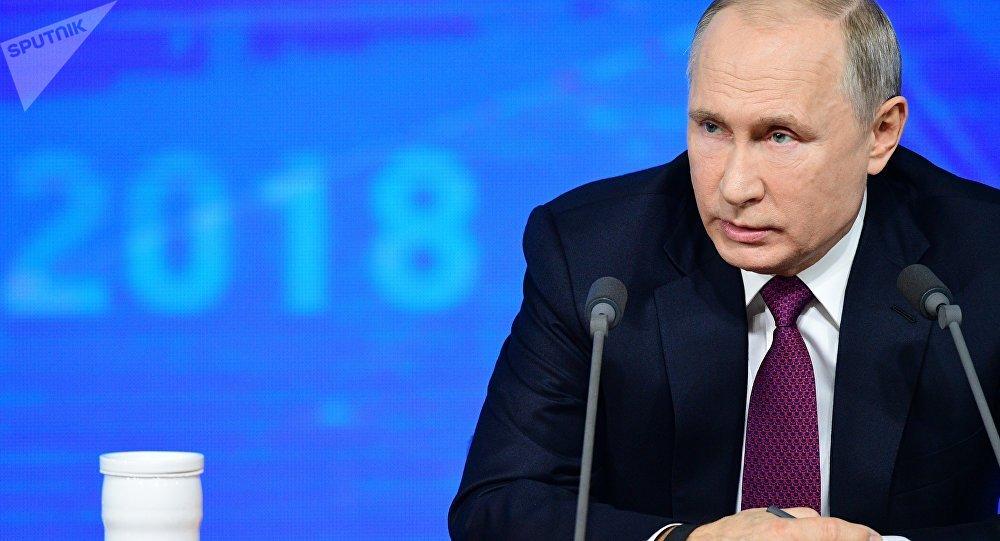 Em coletiva de fim de ano, Putin defende papel da Rússia no mundo