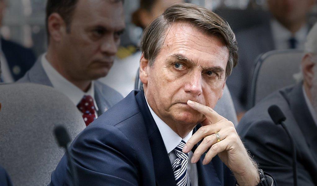 Isolamento de PSL joga Bolsonaro no centro da negociação com o Congresso