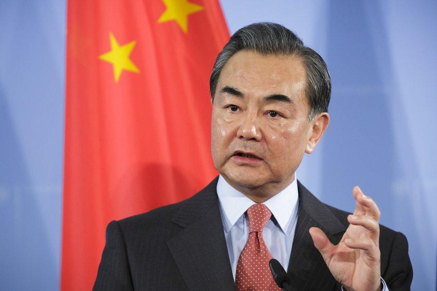 China alerta que intervenção estrangeira pode levar 'lei da selva' a Caracas