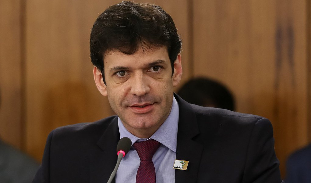Pivô do laranjal do PSL quer liberar cassinos no Brasil