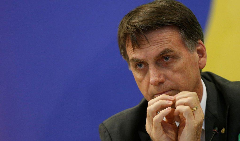 Governo Bolsonaro passou a lua de mel no bordel