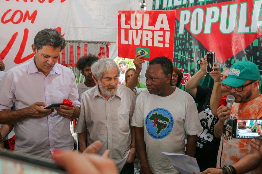 Lula aos catadores: acharam que iam nos separar no Natal, se enganaram