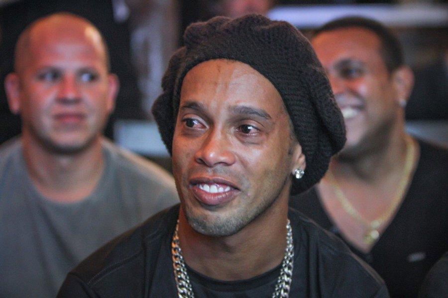 STJ mantém apreensão de passaporte de Ronaldinho Gaúcho